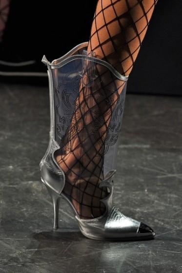 100316-sapatos-jeremyscott-400x600