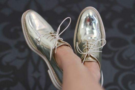 oxfort_metalizado_street_style_tendência_verão17_por_alessandrafaria_sapatos_femininos-9 (2)