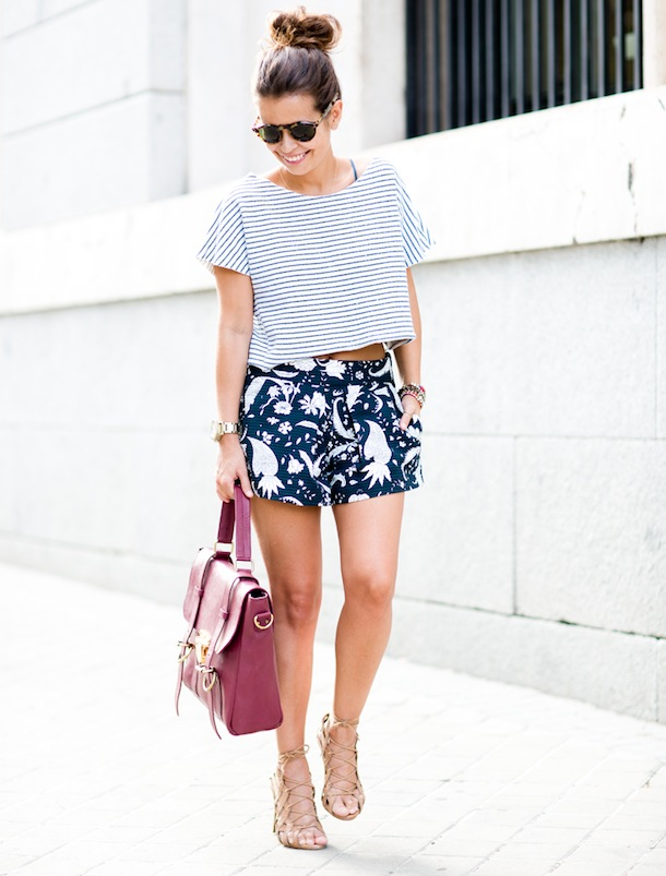Mixing_Prints-Summer-Shorts-Stripes-Su_Shi_Bags-Street_Style-Outfits-21