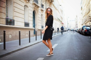 slip-on-sneakers-street-style-looks-and-chic-combinations-11