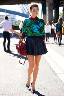 estampa-tropical-saia-plissada-mini-scarpin-look-verao-tendencia-street-style
