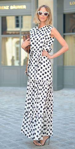 street-style-haute-couture-alta-costura-paris-autumn-winter-outono-inverno-vestido-longo-de-poa-vestido-longo-estampado-look-monocromatico-rosa