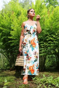 tropical-print-dress-street-style-5