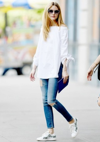 olivia-palermo-swapped-her-white-sneakers-for-this-new-trend-instead-1788527-1464723288-640x0c