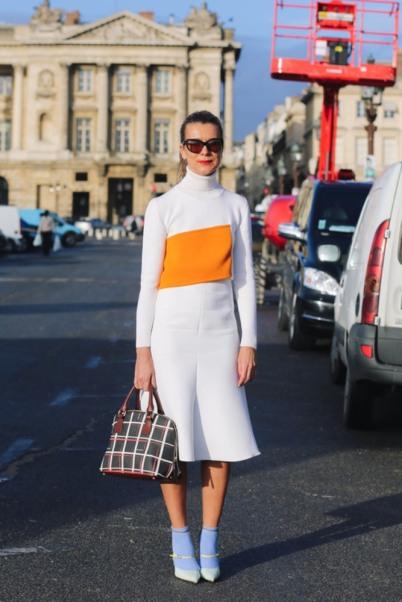 1-miss-street-chic-blog-trend-alert-sandals-street-style-socks-tendencia-meia-sandalia-uso-ruas