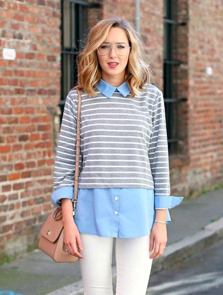 street-style-look-camisa-azul-calca-branca-blusa-listrada-cinza-bolsa-bege