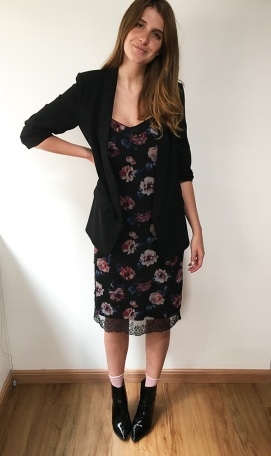 street-style-look-manuela-bordasch-vestido-floral-bota-verniz-170426-094556