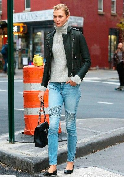 karlie-kloss-street-style-cala-jeans-jaqueta-couro-gola-alta