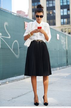 7f9baf7e20065edce7f5d29ff7a15657--black-pleated-skirt-black-skirts