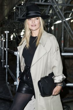 kate-moss-at-paris-fashion-week-saint-laurent-show-autumn-winter-2017-1