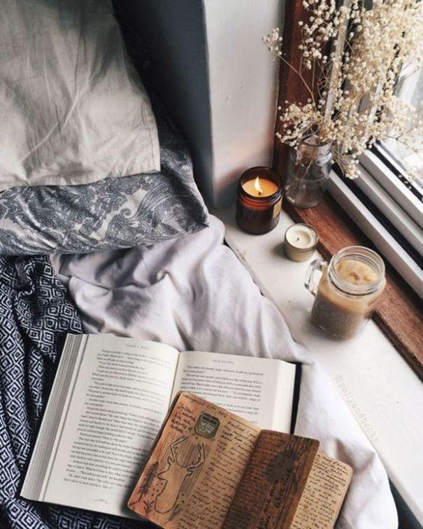 f57752349b4866f3486b5628afd6b8cd--romantic-homes-cozy-bedroom
