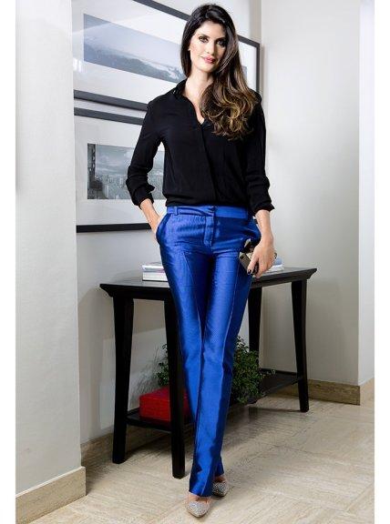 isabella_fiorentino_look_da_bella_azul_cobalto