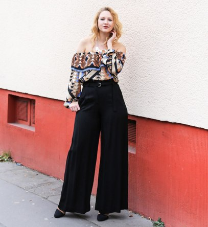 tess-kay-top-off-the-shoulder-black-pants-street-style