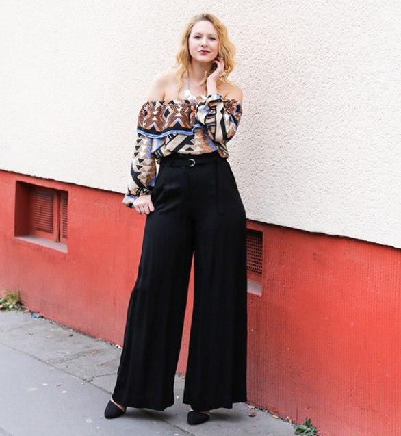 tess-kay-top-off-the-shoulder-black-pants-street-style