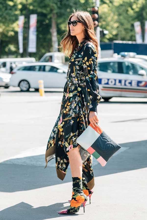 look-vestido-floral-bota-estampada