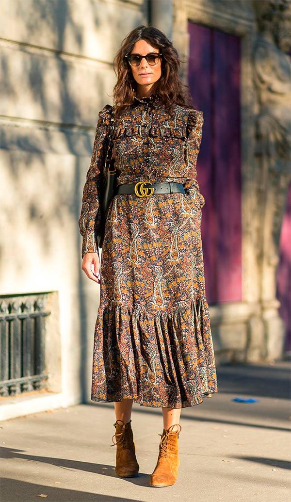 street-style-look-vestido-floral-midi-bota-camurca