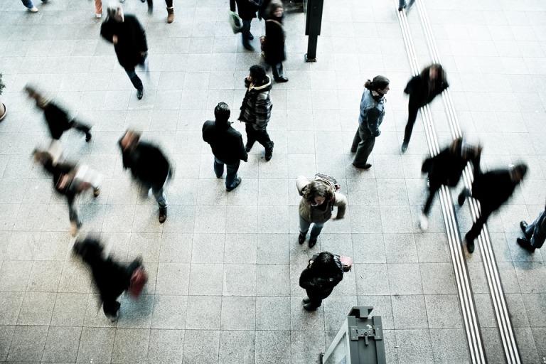 elegância-atitude-pessoas-multidão