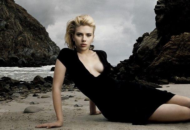 scarlett-johansson-by-annie-leibovitz-vanity-fair_200508