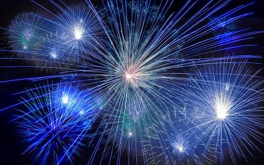 fireworks-574739__340