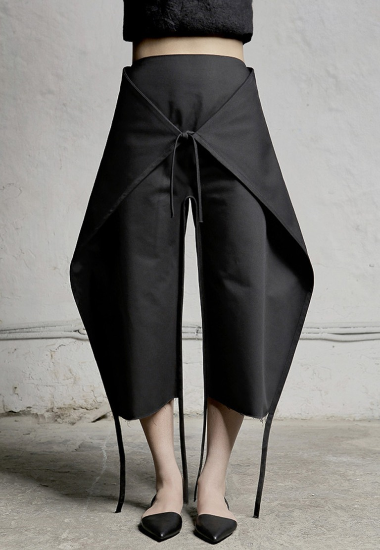 nihilism-dzhus-autumn-winter-2016-conceptual-fashion-ukraine_dezeen_936_3