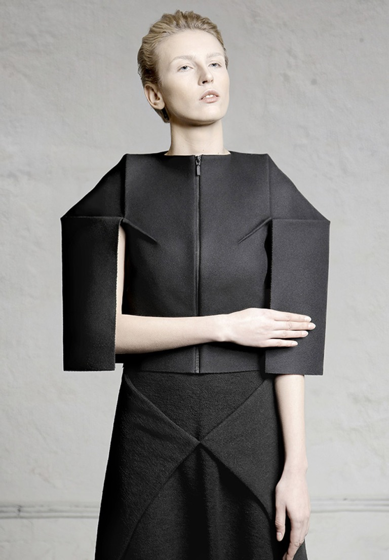 nihilism-dzhus-autumn-winter-2016-conceptual-fashion-ukraine_dezeen_936_9