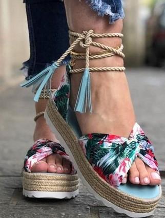 trend-alert-sapatos-verão-2019-flatforms-e -mules (11)