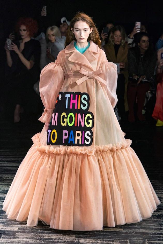 wtf-desfile-viktor-e-rolf-design-ironia-moda-ss-2019 (3)