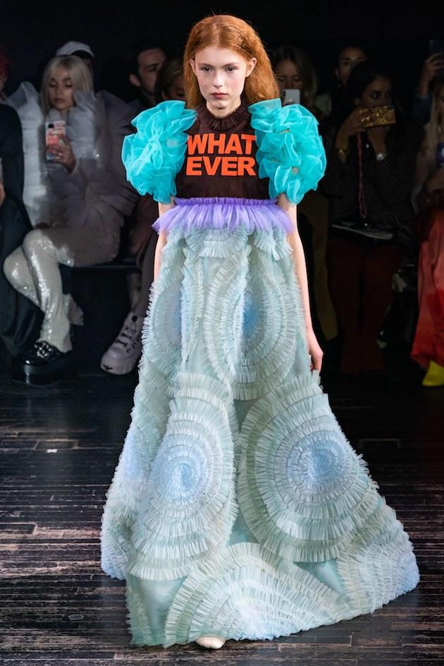 wtf-desfile-viktor-e-rolf-design-ironia-moda-ss-2019 (7)