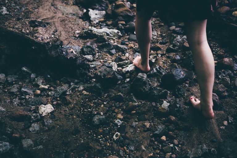 barefoot-1149848_960_720
