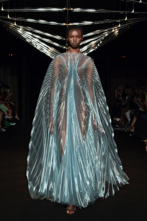 iris-van-herpen-fashion-design-hiver-2019 (1)