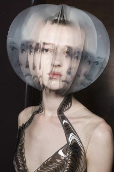 iris-van-herpen-fashion-design-hiver-2019 (4)