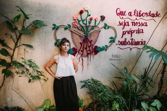 karen-dolorez-arte-para-inspirar-crochê-mural-trabalho-artístico (1)