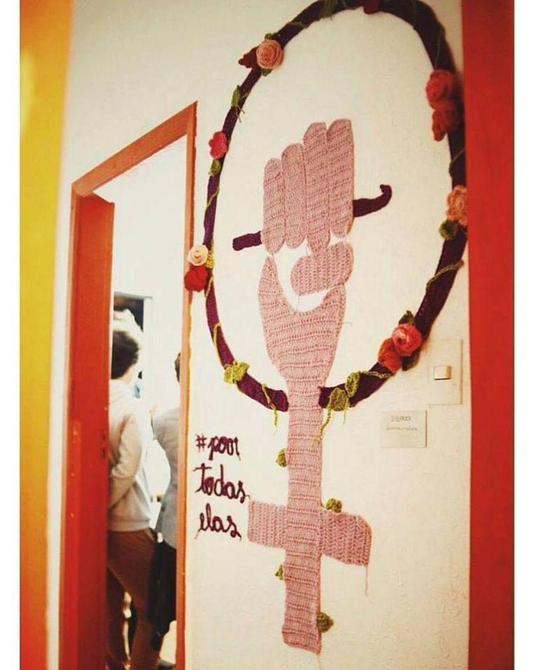 karen-dolorez-arte-para-inspirar-crochê-mural-trabalho-artístico (10)