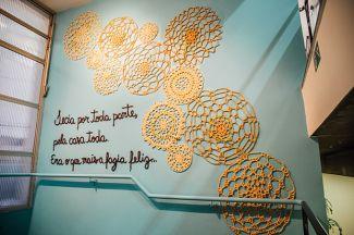 karen-dolorez-arte-para-inspirar-crochê-mural-trabalho-artístico (3)