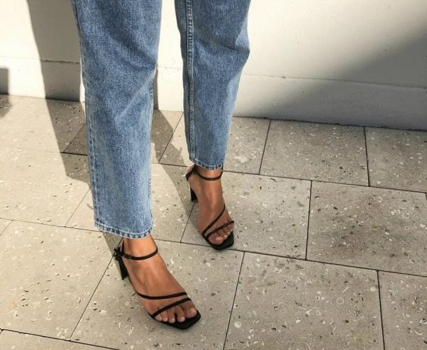sandália-tendência-verão-2020-naked-heels-sandals (10)