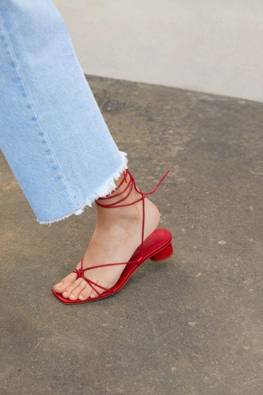 sandália-tendência-verão-2020-naked-heels-sandals (15)