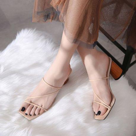 sandália-tendência-verão-2020-naked-heels-sandals (16)