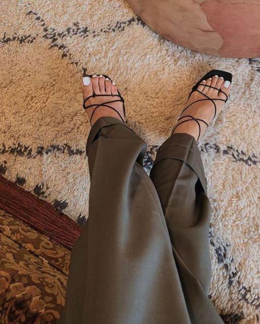 sandália-tendência-verão-2020-naked-heels-sandals (18)