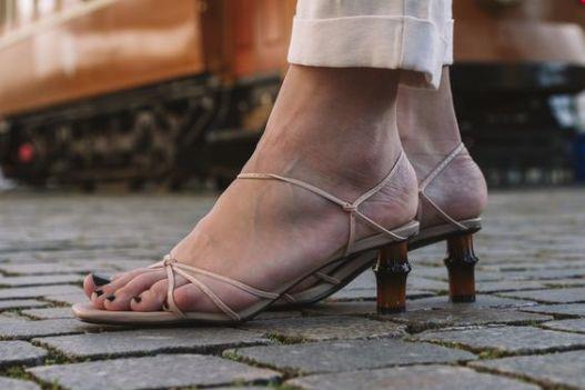 sandália-tendência-verão-2020-naked-heels-sandals (19)