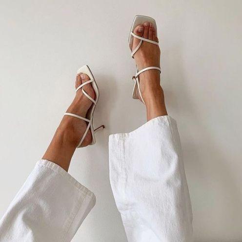 sandália-tendência-verão-2020-naked-heels-sandals (23)