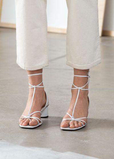 sandália-tendência-verão-2020-naked-heels-sandals (6)