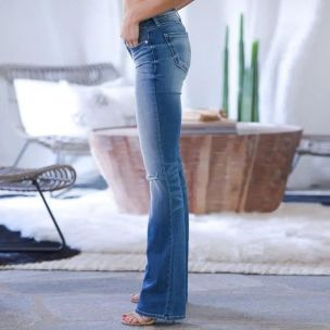 trend-alert-boot-cut-jeans-tendencia-inverno-2020 (13)