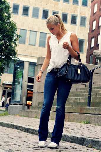 trend-alert-boot-cut-jeans-tendencia-inverno-2020 (17)