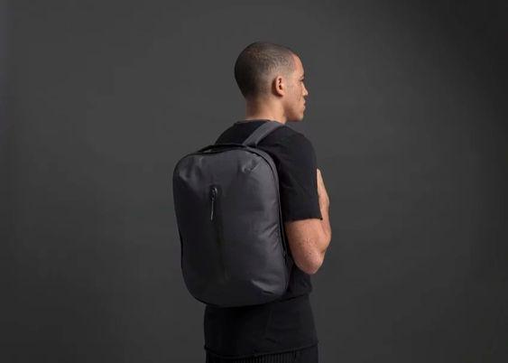 wtf-design-mochila-e-mala-de-mao-escritorio-e-fim-de-semana (4)